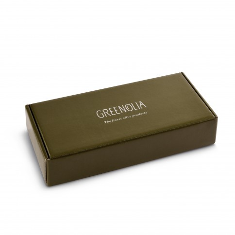 Gift box of extra virgin olive oil 3x100ml Greenolia in its packaging closed top view