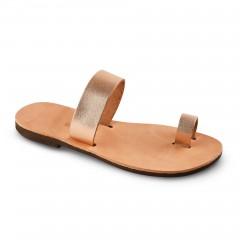 Sandales grecques en cuir couleur bronze Déméter, fabriquées à la main en Crète, vue de 3/4