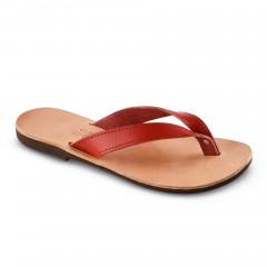 Sandales grecques en cuir rouge Hestia, fabriquées à la main en Crète, vue de 3/4