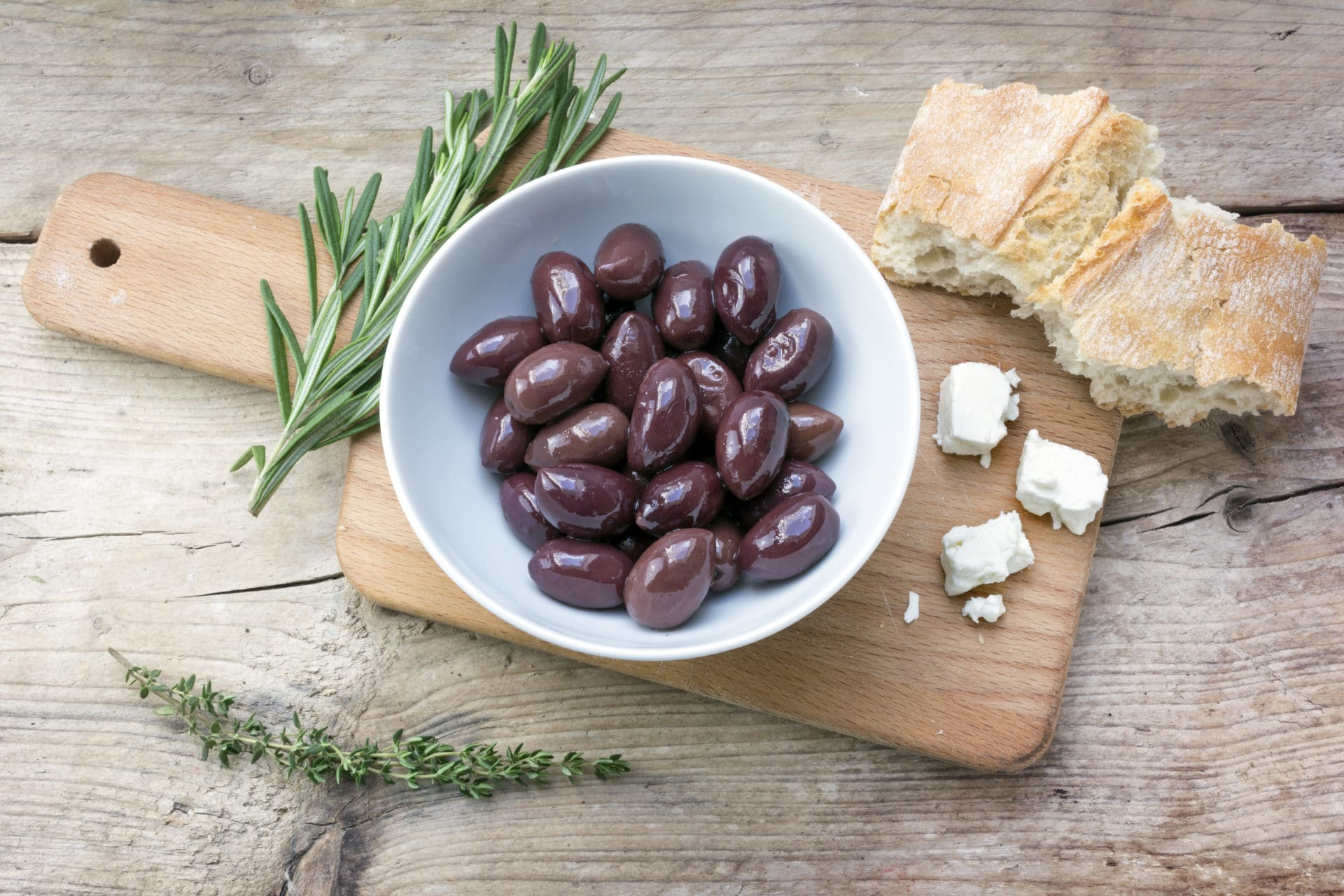 The 6 Greek products essential for a successful aperitif !