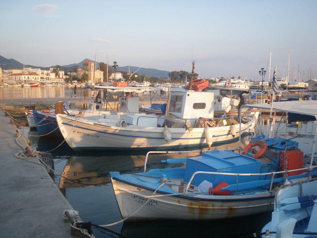Port de l'île d'Égine, en Grèce