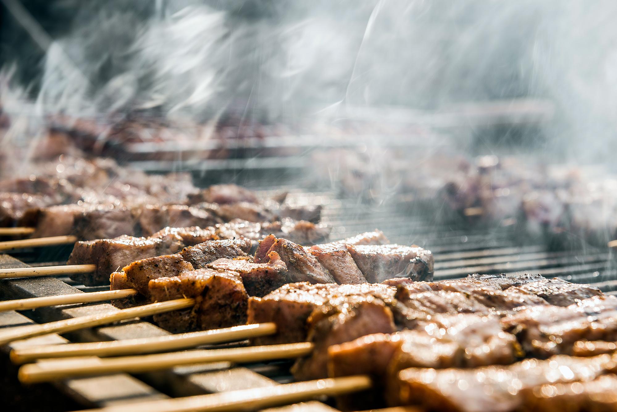 Τσικνοπέμπτη, η Πέμπτη που έχει μυρωδιά ψητού κρέατος!