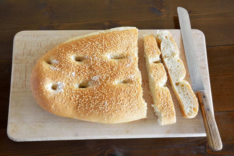 Lagana (pain au sésame)