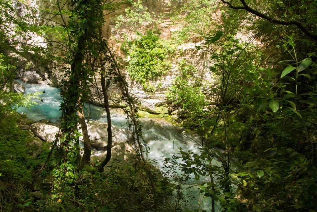 La rivière de Lousios en Arcadie dans le Péloponnèse