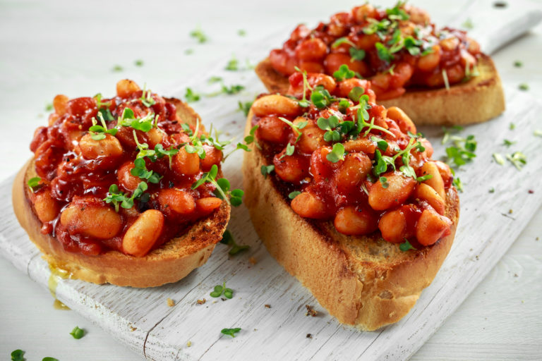 Dried white beans with tomato sauce or Fasolia Yahni