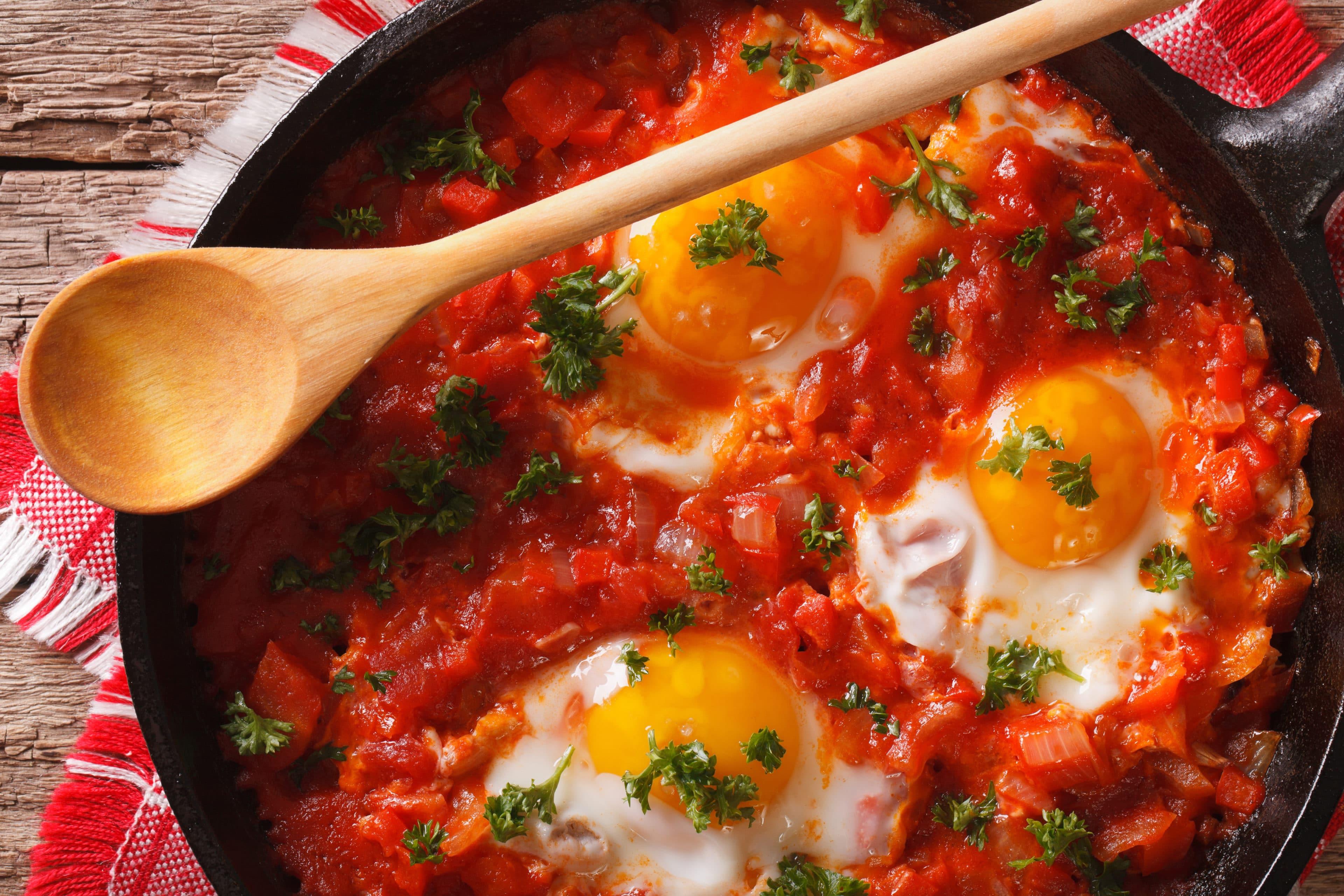 Αυγά με ντομάτες
