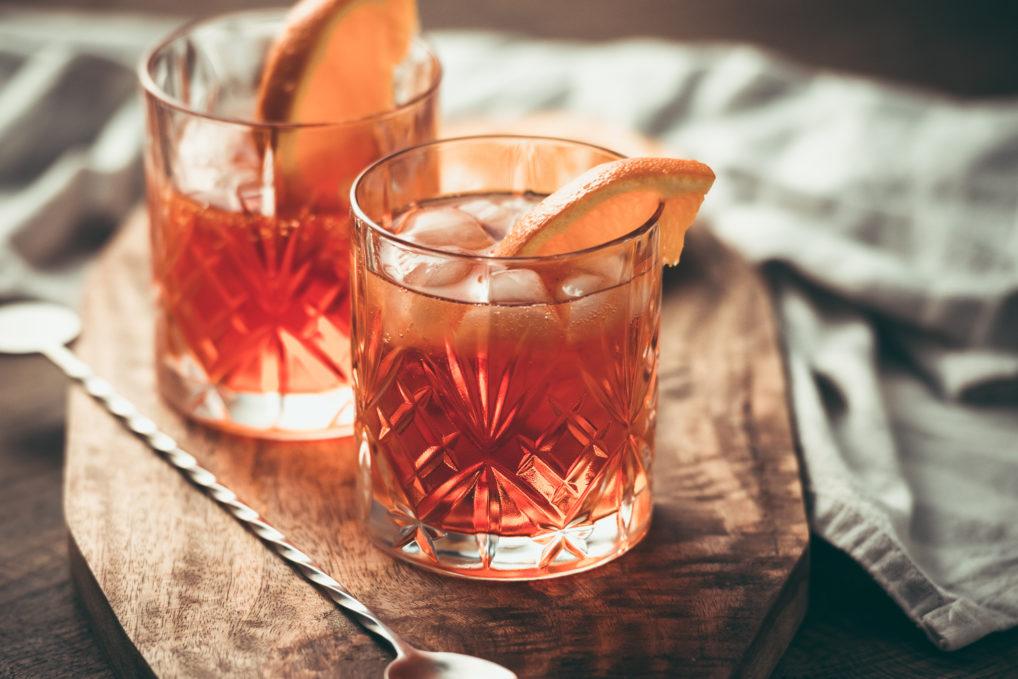 Deux verres d'apéritif Otto's Athens Vermouth