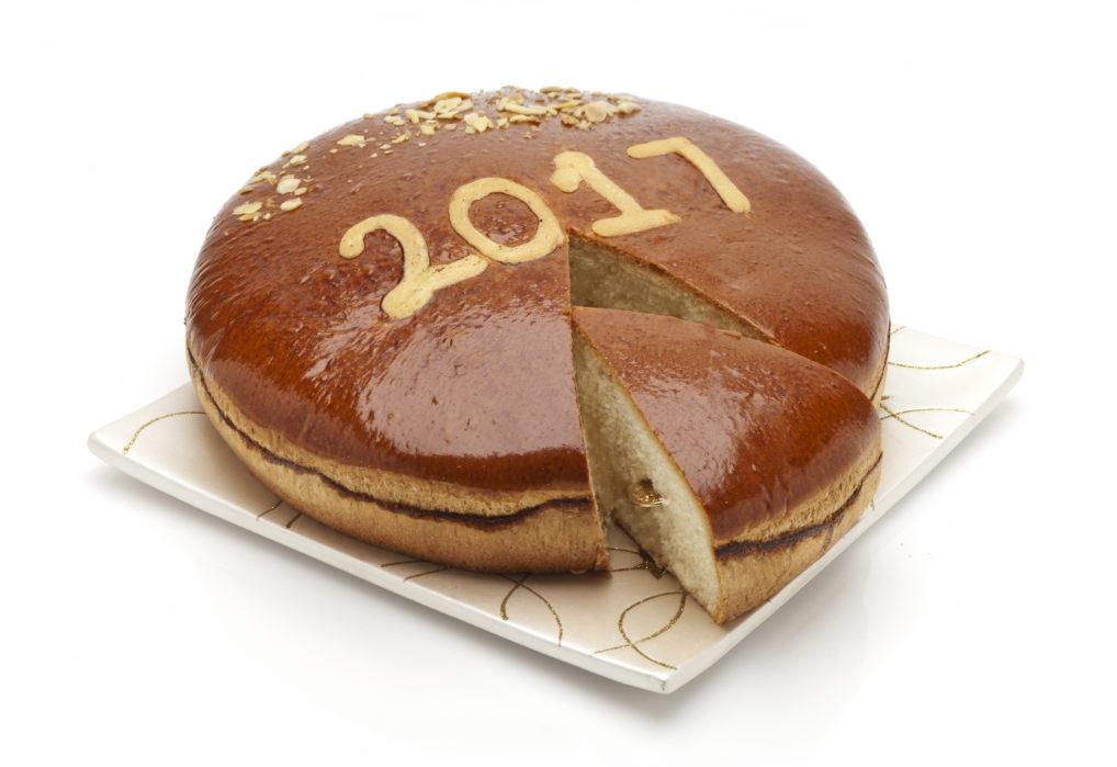 La vassilopita politiki briochée, la gâteau de fin d'année en Grèce